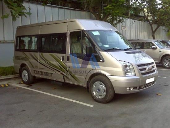 thuê xe 12 chỗ Ford Transit DCar